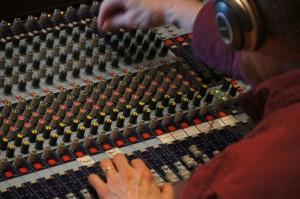 sound-studio-571995_1280
